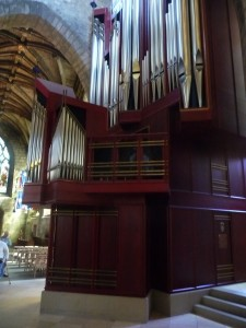 The organ - side view